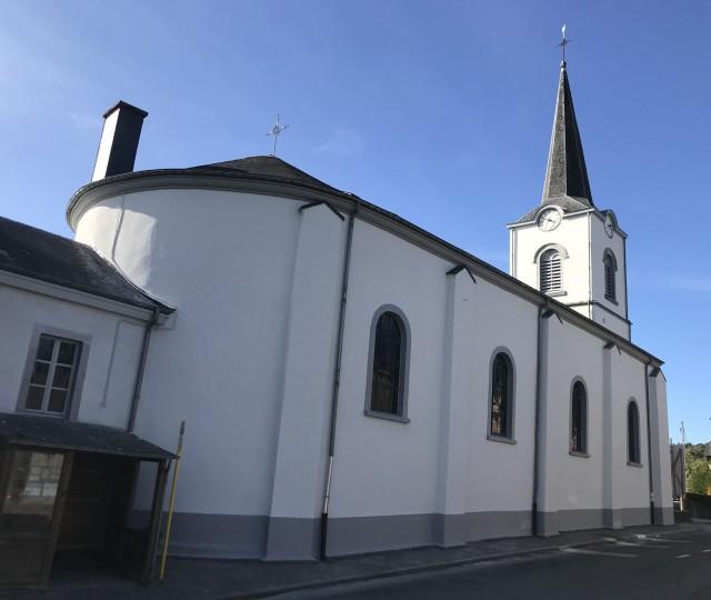 FACADE PEINTURE Eglise de Lavacherie